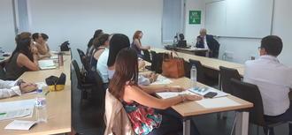 El Defensor inaugura un taller sobre mediación en la Universidad Internacional de Andalucía