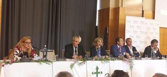 Es necesario humanizar la atención al paciente. Participamos en el II Congreso Andaluz de pacientes con cáncer.