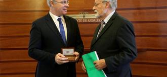 El Defensor del Pueblo andaluz reclama la derogación del programa de solidaridad por obsoleto y su sustitución por otro