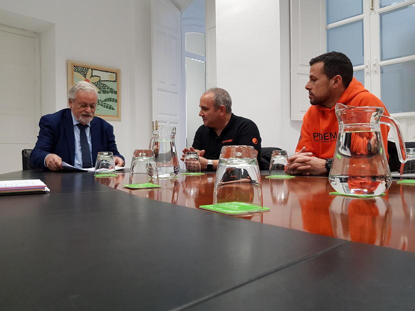 Queremos conocer las medidas para garantizar la asistencia a bomberos voluntarios acusados en Lesbos