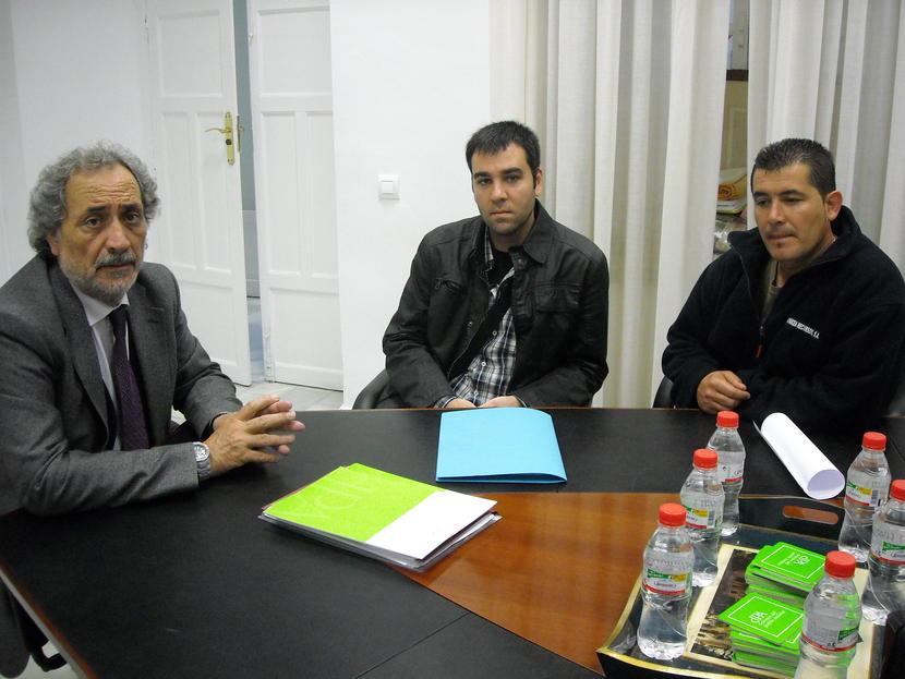 Entrega de 1.500 firmas por el empleo en la zona minera de Ríotinto