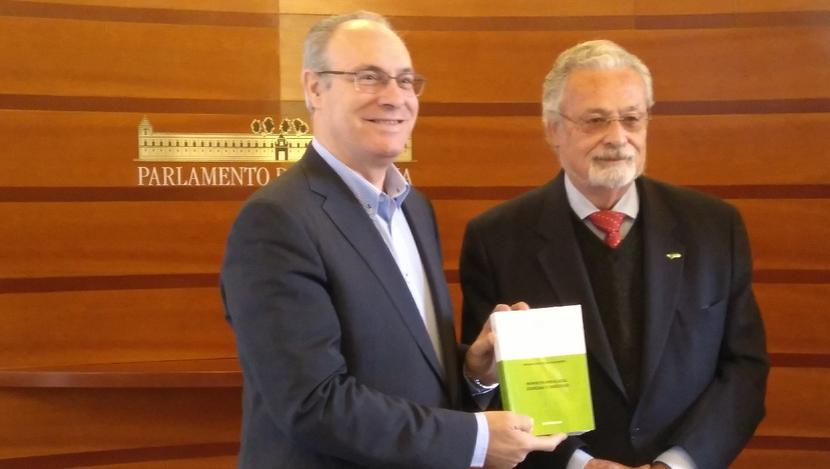 El Defensor del Pueblo andaluz valora la aplicación de la ley de muerte digna en Andalucía, aunque advierte carencias