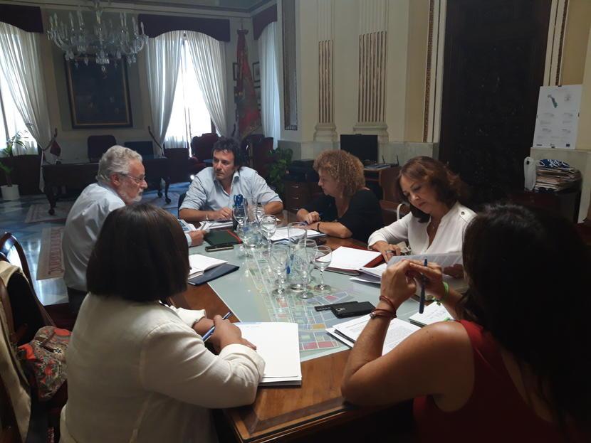 Preguntamos a las administraciones por la situación de la vivienda en Cádiz
