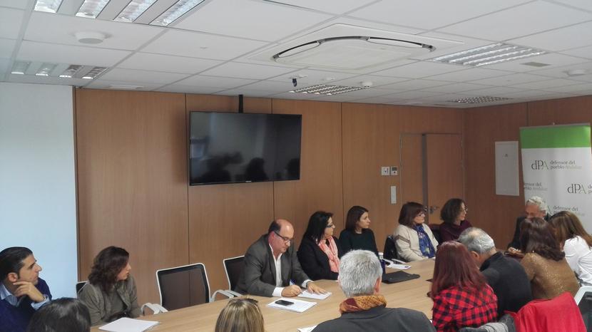 Asociaciones de Granada que trabajan con Personas Sin Hogar, Inmigrantes y Adicciones plantean sus problemas al Defensor del Pueblo Andaluz